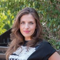 julia melymbrose is head of content at testgorilla